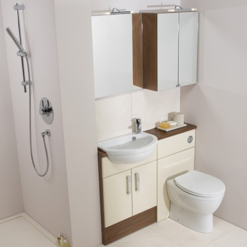 Designing a small modern en suite uk bathrooms for Small bathroom uk