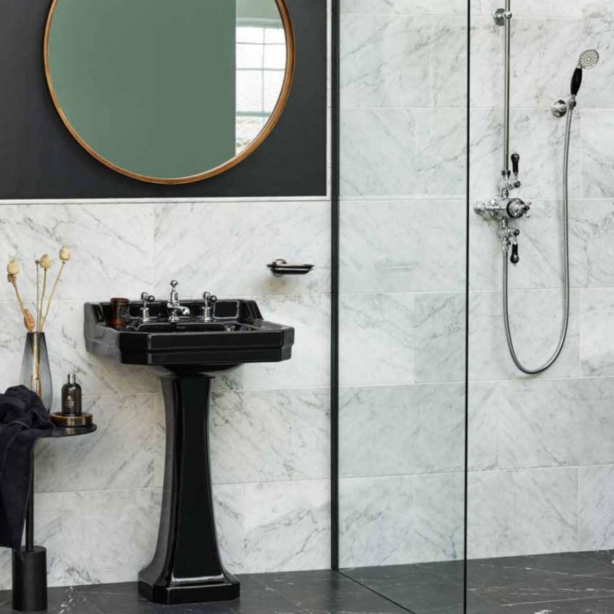 country contemporary idea for shower room
