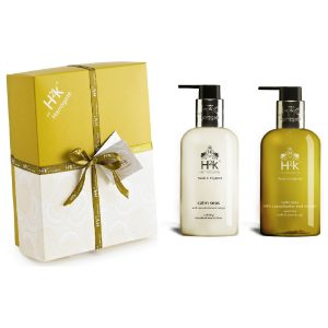 Self-care by supporting your friends with this gift box. Gift them relaxation and serenity.