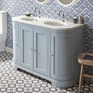 This vanity unit is our most sold bathroom furniture product. It is large, with 4 doors and curved sides.